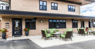Rodeway Inn & Suites Downtowner-Rte 66 - Williams - Building