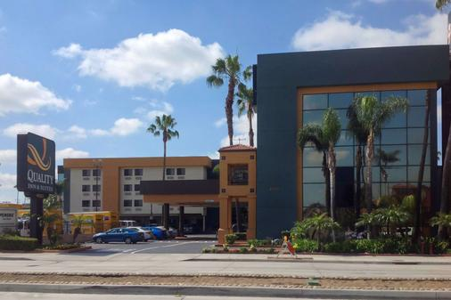 Quality Inn & Suites Los Angeles Airport - LAX - Inglewood - Building
