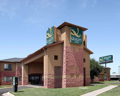 Quality Inn - Midland - Building