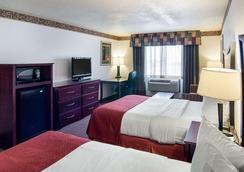 Quality Inn - Midland - Bedroom