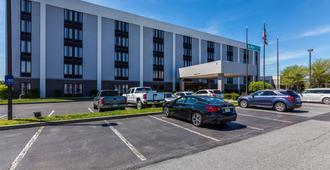 Allentown Park Hotel, an Ascend Hotel Collection Member - Allentown - Building