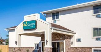 Quality Inn - Gillette - Building