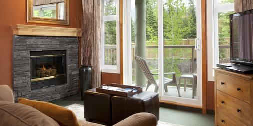 WindTower Lodge And Suites - Canmore - Living room