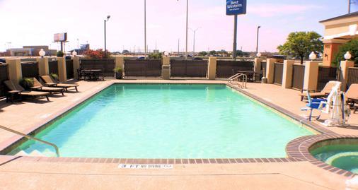Best Western Inn & Suites - New Braunfels - Pool