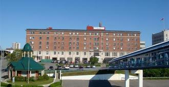 Prince Arthur Waterfront Hotel & Suites - Thunder Bay - Building
