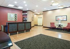 Comfort Inn Ballston - Arlington - Lobby