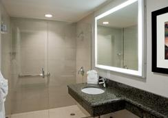 PB Surf Beachside Inn - San Diego - Bathroom