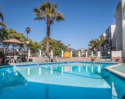 Rodeway Inn - Oceanside - Pool