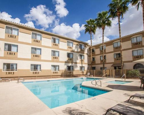 Comfort Inn West - Phoenix - Pool