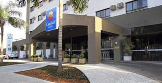 Comfort Hotel Goiania - Goiânia - Building