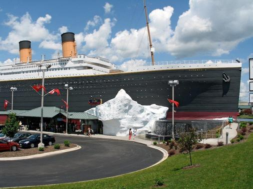 Chateau On The Lake Resort Spa and Convention Center - Branson - Attractions