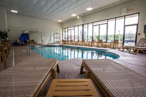 Comfort Inn & Suites at Dollywood Lane - Pigeon Forge - Pool