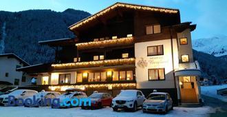 Hotel Garni Bergland - Neustift im Stubaital - Building