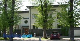 Sadama Street Villa Guesthouse - Parnu - Building
