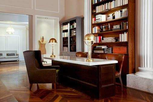 The Gregory Hotel - New York - Front desk