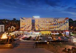 Nadiya Hotel - Ivano-Frankivs'k - Building