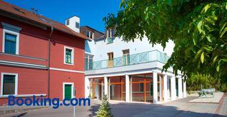 Hotel U Pramenu - Pilsen - Building