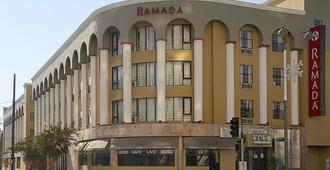 Ramada by Wyndham, Los Angeles/Wilshire Center - Los Angeles - Building
