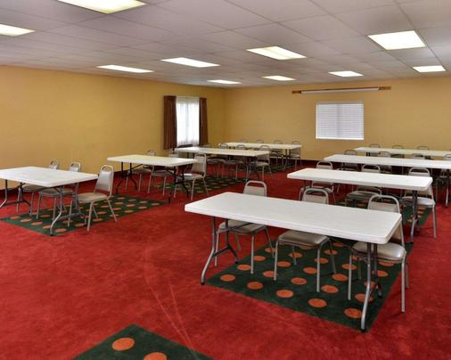 Quality Inn and Suites Wichita Falls I-44 - Wichita Falls - Meeting room