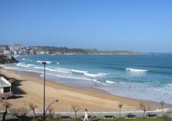 Silken Rio Santander - Santander - Beach