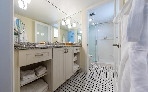 Pink Shell Beach Resort & Marina - Fort Myers Beach - Bathroom
