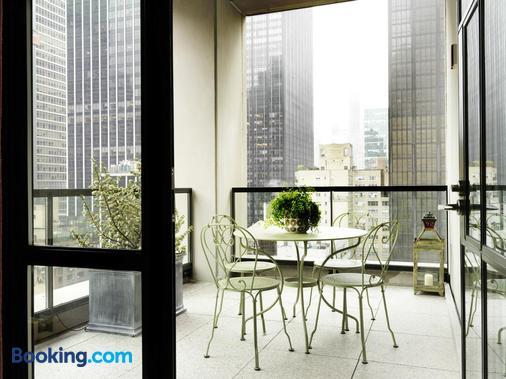 The Whitby Hotel - New York - Balcony