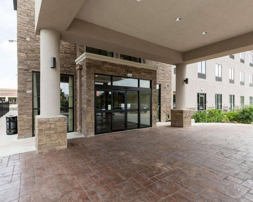 Comfort Suites near Westchase on Beltway 8 - Houston - Building