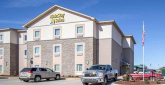 Mainstay Suites - Meridian - Building