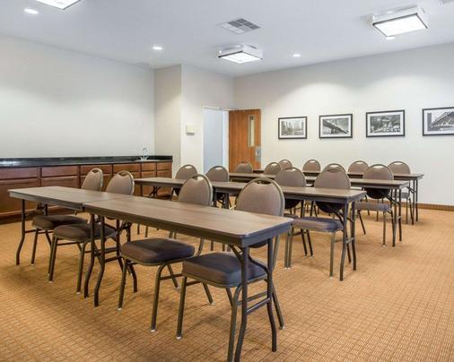 Mainstay Suites - Meridian - Meeting room