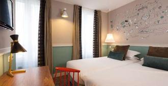Hôtel Les 3 Poussins - Paris - Bedroom