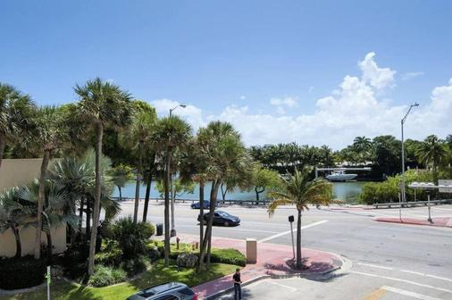 Lorraine Hotel - Miami Beach - Outdoor view