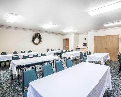 Rodeway Inn & Suites - Spokane - Meeting room