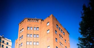 Travelodge Belfast - Belfast - Building