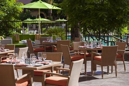 Renaissance Palm Springs Hotel - Palm Springs - Patio