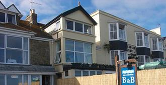 Sea Waves Bb - Penzance - Building