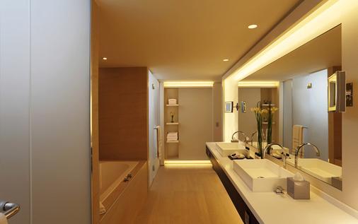 The Hotel Brussels - Brussels - Bathroom