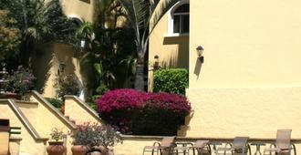 Apartotel & Suites Villas del Rio - San Jose - Building