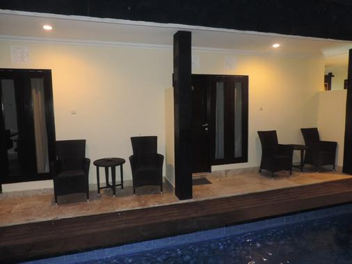 Andari Legian - Denpasar - Balcony
