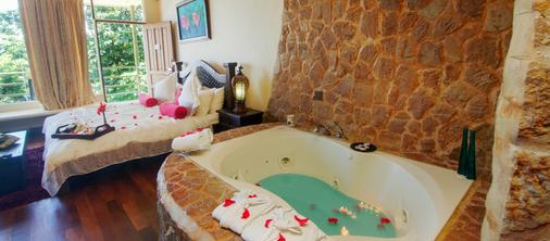 Issimo Suites Boutique Hotel & Spa - Adults Only - Manuel Antonio - Bathroom