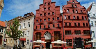 Romantik Hotel Scheelehof - Stralsund - Building