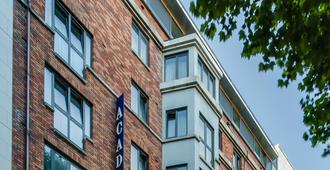 Academy Plaza Hotel - Dublin - Building