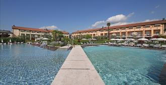 Hotel Caesius Thermae & Spa Resort - Bardolino - Building