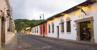 Hotel El Carmen - Antigua - Building