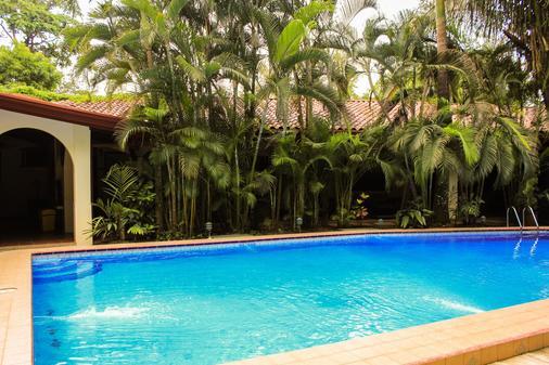 Hotel Villas Lirio - Manuel Antonio - Pool