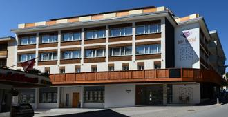 Hotel Central - Crans-Montana - Building