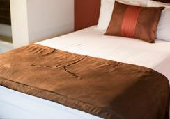 The Emily Morgan - a DoubleTree by Hilton - San Antonio - Bedroom