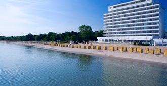 Grand Hotel Seeschlösschen Spa & Golf Resort - Timmendorfer Strand - Building