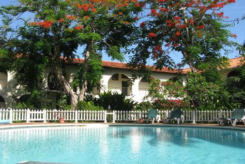 Charela Inn Hotel - Negril - Pool