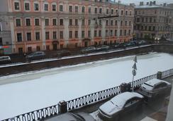 Mini Hotel Belaya Noch - Saint Petersburg - Outdoor view