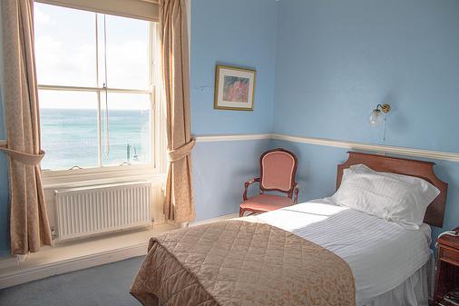 The Queens Hotel - Penzance - Bedroom